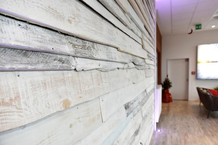 Vintage Wand - Oberflächengestaltung - Detail - Holzbretter - Raumgestaltung