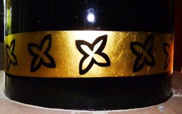 Farbdesign - Wandgestaltung mit Goldornament (Detail)