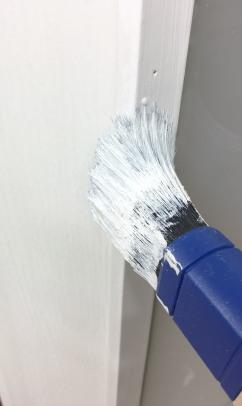 Tür lackieren - Lack - Pinsel - Maler
