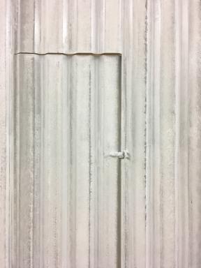 Messebau - Messe - Oberflächengestaltung-Imitation eines verwitterten Wellblechs