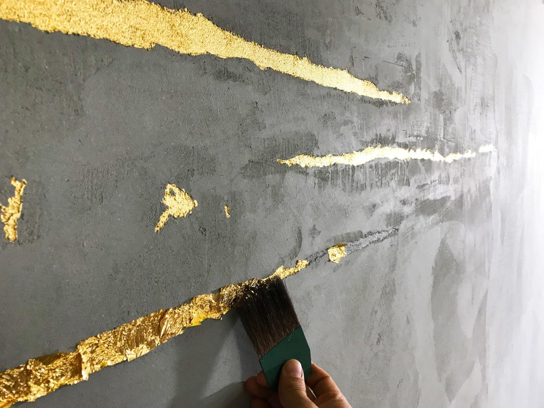 Hannover - Sichtbeton - Beton - Betonwand - Vergoldung - Blattgold - Gold - Wandgestaltung - Kreativtechnik Spachteltechnik Hannover